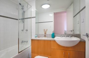 Toilet_low
